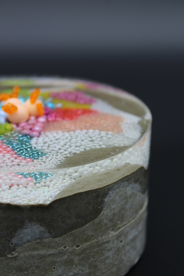Substratum - Resin:concrete:embroidery 1
